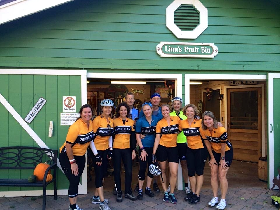 The Biker Chick gang and moi, plus Rocket-man and our guide Jeff , after eating pie at Linn's Fruit Bin.